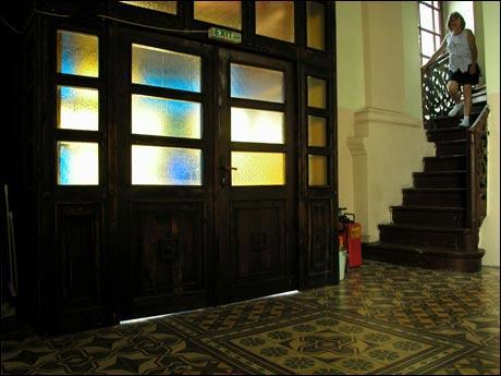 biserica-cu-geamlac.jpg